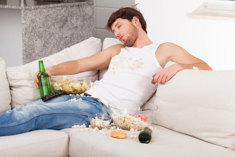 Flecken auf dem Sofa entfernen